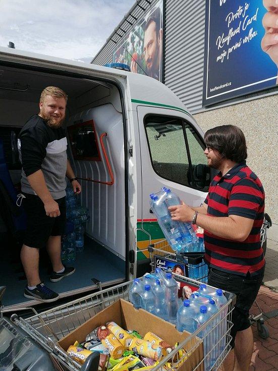 Pelhřimovští pomáhají obcím na jižní Moravě, přes které se prohnalo tornádo.