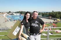 Plavkyně s otcem  na loňském mistrovství republiky.