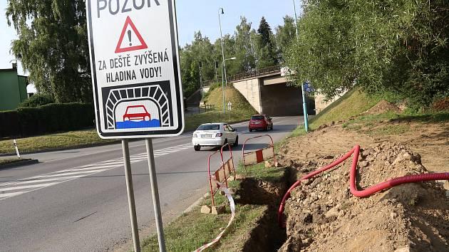 Signalizace u viaduktu v Pelhřimově selhala, Vysočina se vzpamatovává z bouřky