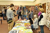 Patchworkový klubu HaBa, který působí při Oblastní charitě Havlíčkův Brod (OCHHB), prezentuje tvorbu svých členek v humpoleckém Muzeu Dr. Aleše Hrdličky.
