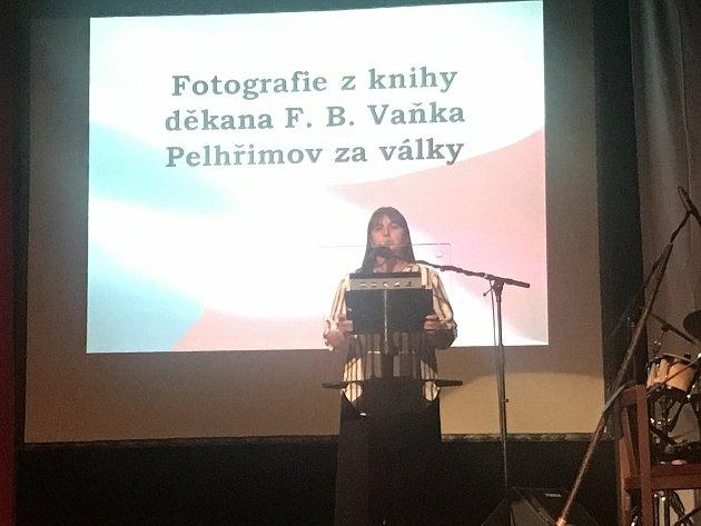 Historička, kurátorka, knihovnice a kronikářka Miroslava Kvášová pracuje již pětatřicet let vMuzeu Vysočiny vPelhřimově.
