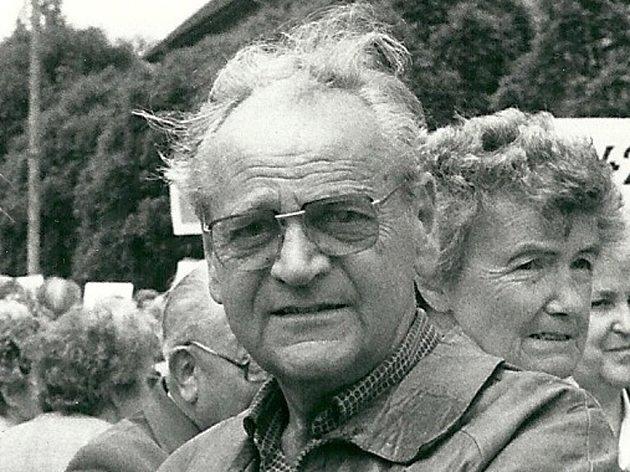 Miroslav Fára na jednom ze srazů se spolužáky.
