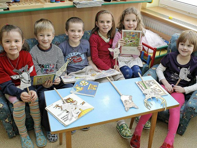 Tentokrát odpovídaly děti z Mateřské školky v Košeticích. Lenička Lhotová (6 let), Vítek Sojka (6 let), Erik Strakaj (5 let), Adrianka Pípalová (6 let), Simonka Jelínková  (6 let) a Michalka Vlková (5 let).