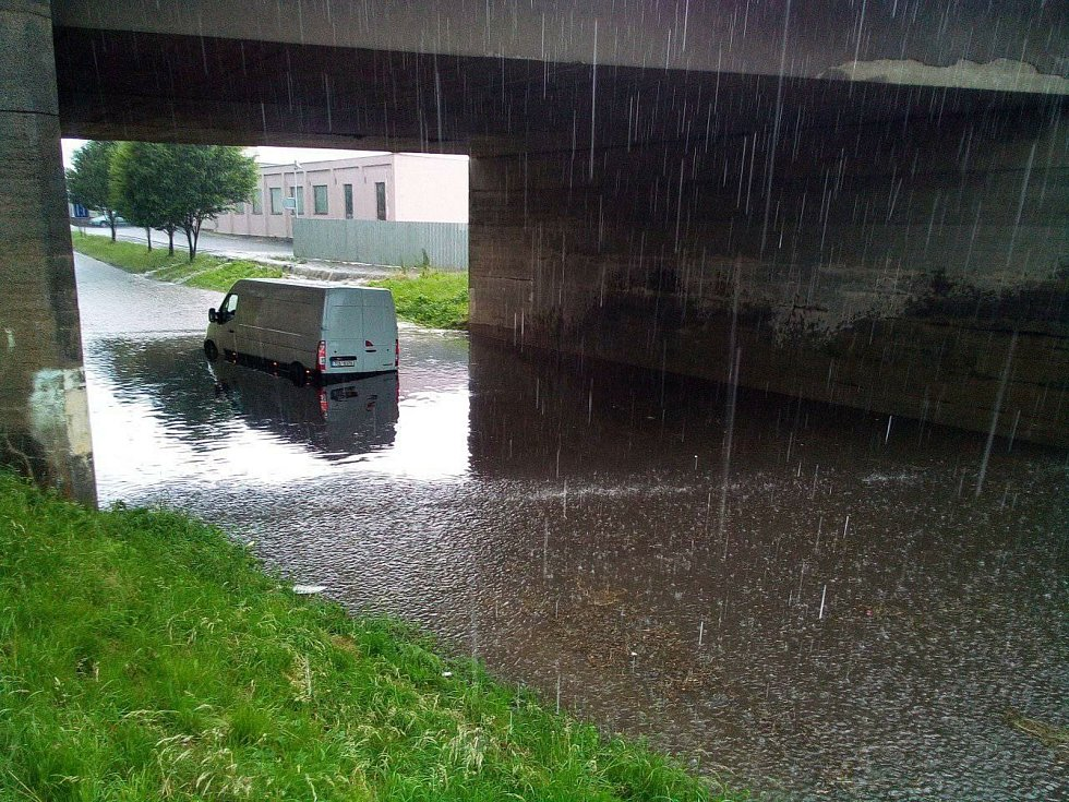 Zatopený viadukt v Pelhřimově.
