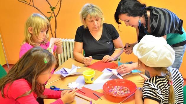 Poprvé se v novém školním roce sešly děti na tvůrčích dílnách v pelhřimovské knihovně.