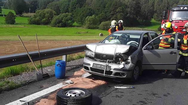 Nehoda v pátek 30. srpna u Sedlišť na Pelhřimovsku.