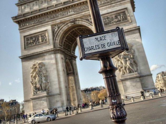Publikace pelhřimovského rodáka a reportéra Jana Šmída o vybraných pařížských restauracích se dostala mezi tři knižní finalisty Ceny české gastronomie.