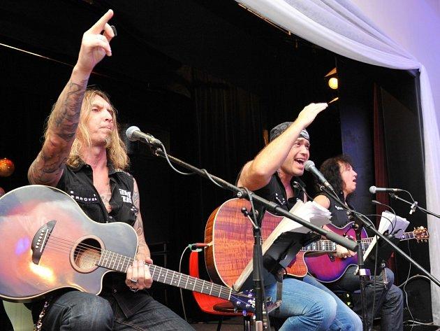 Festival ukončí živelní a precizní muzikanti Legendy se vrací.
