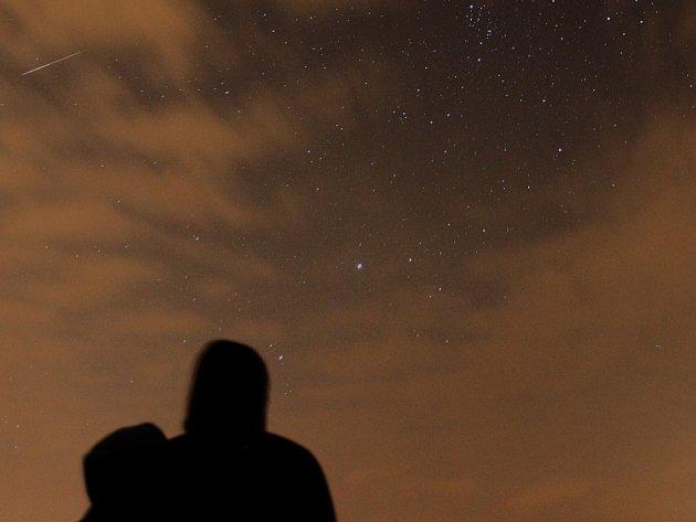 """Meteority, takzvané """"padající hvězdy"""", bude možné pozorovat pouhým okem."""
