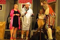 V sobotu večer se konala v želivském kulturním domě premiéra známé divadelní hry Strašidlo cantervillské.