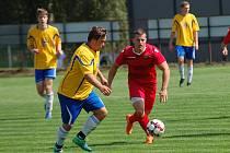 Čtrnáct gólů nastříleli fotbalisté Speřic Pacovu v duelu béček v rámci Poutník ligy.