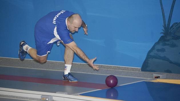 Skvělou sezonu má žirovnický Libor Kočovský. V zápase proti Strakonicím opět atakoval pětistovku. Nakonec mu chyběly pouhé čtyři kuželky.