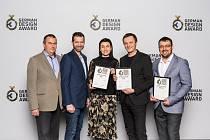 Zleva Pavel Šiška (manažer marketingu), David Fučík (produktový manažer), Šárka Zbrojková (obchodní ředitelka), Petr Novague (designér), Jiří Zbrojka (výrobní ředitel).