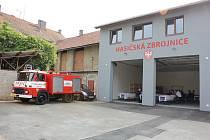 Slavnostní otevření nové hasičárny v Miroticích.