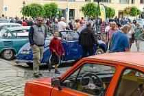 Výstava historických vozidel v Písku.