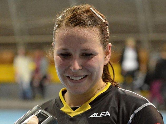 Písecká házenkářka Michaela Janoušková měla po interligovém utkání se Zlínem důvod k úsměvu, šesti brankami přispěla k vítězství svého týmu v poměru 39:29.