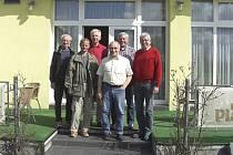 Na snímku pořízeném před píseckým hotelem OtavArena stojí v horní řadě (zleva): Jaroslav Putschögl (Atletika Písek), Heinz Burkhart, Walter Körner, Karl Sagerer. Před nimi jsou: Jiří Jansa (Atletika Písek) a Jaroslav Pospíšil.