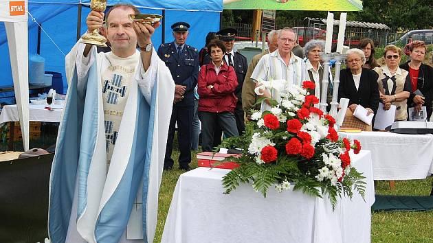 Svěcení obecních symbolů a oslava 120 let existence SDH Kučeř.