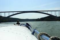 Žďákovský most.