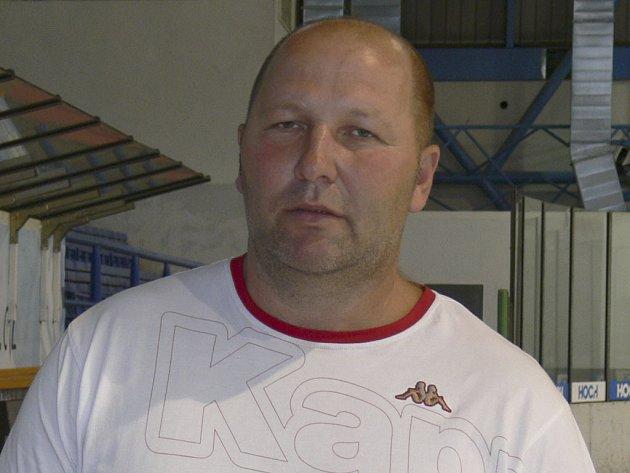 Rudolf Suchánek vstupuje jako trenér do další hokejové sezony. Opět se postaví na lavičku týmu HC ZVVZ Milevsko.