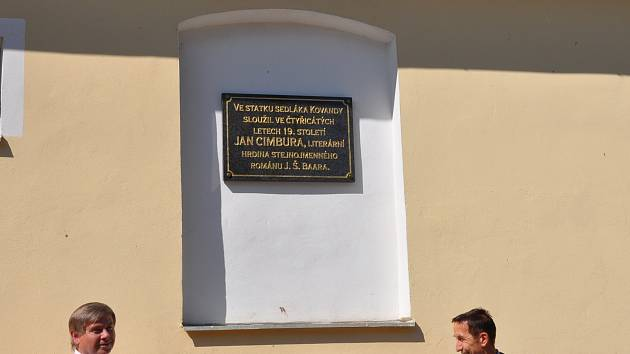Odhalení pamětní desky Janu Cimburovi na Hradišti.