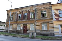 Dům v Sedláčkově ulici v Písku, kde je od začátku září otevřená noclehárna pro lidi bez domova. Je součástí Městského střediska sociálních služeb v Písku.