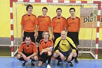 Na snímku je tým FC Unbroken, který se v sobotu 22. 10. představí v písecké obloukové hale v zápasech třetího a čtvrtého kola okresního přeboru ve futsalu-FIFA.