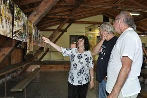 Výstava  Asie ve fotografii autora Antonína Dudka v Křenovicích.