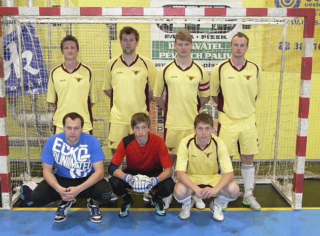 V čele okresního přeboru ve futsalu-FIFA je mužstvo FC Marná snaha B (na snímku).