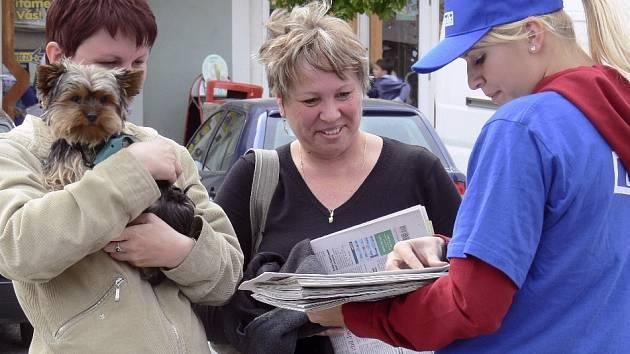 Při včerejším  Dnu s Píseckým deníkem v Protivíně  se s našimi novinami měli příležitost seznámit  i ti, kteří  nejsou  zatím jejich pravidelnými čtenáři.