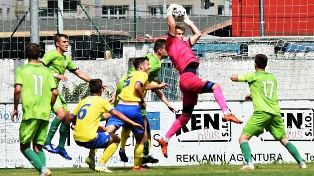 Fotbalová ČFL: Vltavín Praha - FC Písek 1:2 (0:1).