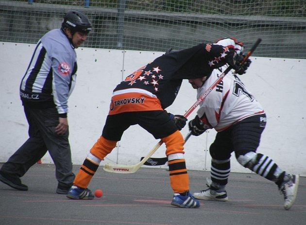 V posledním utkání základní části krajské ligy se hokejbalistům HC ŠD Písek nedařilo, když prohráli s Betonovou Holubov 1:7.