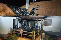 Požár střechy domu v Kestřanech.