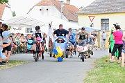 V Radobytcích u Mitorit závodili už po dvaadvacáté s vyzdobenými kolcy.