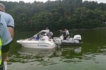 Pravidla neplatí jen na silnicích, ale také na řekách a přehradách. V pátek 14. srpna se policie zaměřila na jejich dodržování na Orlické přehradě při preventivní akci Voda 2020.