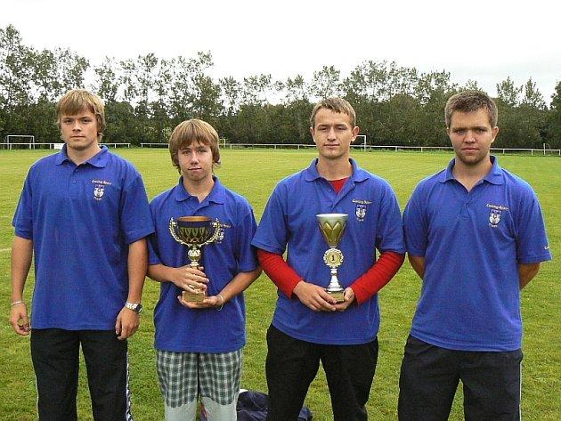 Zleva stojí: Jan Krhut, Filip Hlaváč, Lukáš Lid a  Radek Šanda.