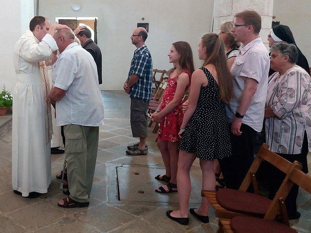 Vklášterní bazilice sloužil svou první mši svatou Hyacint Pavel Kuchta, rodák zMilevska.