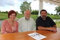 O Sdružení přátel Putimi vyprávěli: Jaroslava Pixová, Václav Pixa a Jiří Štojdl.