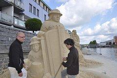 Námětem soch pro letošní Cipískoviště jsou postavy z historie.