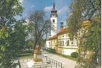 Věž děkanského kostela v Písku.
