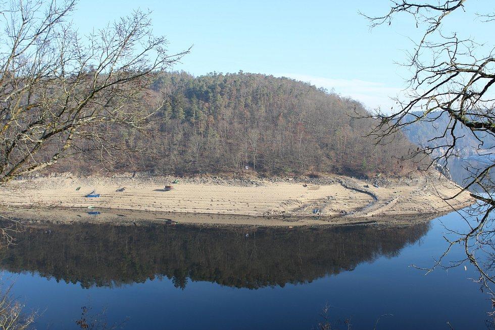 Orlík u hradu Zvíkov.