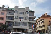 Budova Komerční banky na Velkém náměstí v Písku.