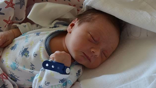 Mikuláš Milota zBlatné. Prvorozený syn Barbory Firichové a Vojtěcha Miloty se narodil 11. 6. 2019 v1.59 hodin. Při narození vážil 3100 g.