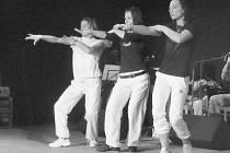 TANEC. Odsouzené ve věznici ve Světlé nad Sázavou se věnují i nácviku tance, což ukázaly i v rámci programu pro školy.