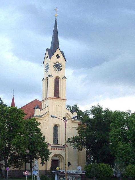 Snímek kostela sv. Bartoloměje od Miroslava Hejhala.