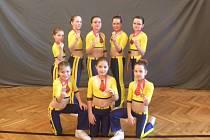 AC sole Písek: dívky, které zacvičily sestavu Spongebob: zleva nahoře Kolářová, Šimíková, Nosková, Kuchtíková, Šejnohová, dole Hejlová, Králová, Fučíková.