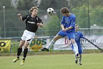 Fotbalisté Milevska se v sobotu 9. června naposledy představí svým fanouškům v letošní divizní sezoně, když od 14 hodin přivítají tým z Tachova. Náš nímek je z utkání Milevska s Českým Krumlovem.