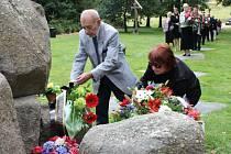 V památníku v Letech uctili 3. srpna památku obětí romského holocaustu.