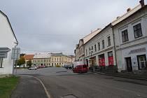 Východní část Masarykova náměstí v Mirovicích čeká rekonstrukce.
