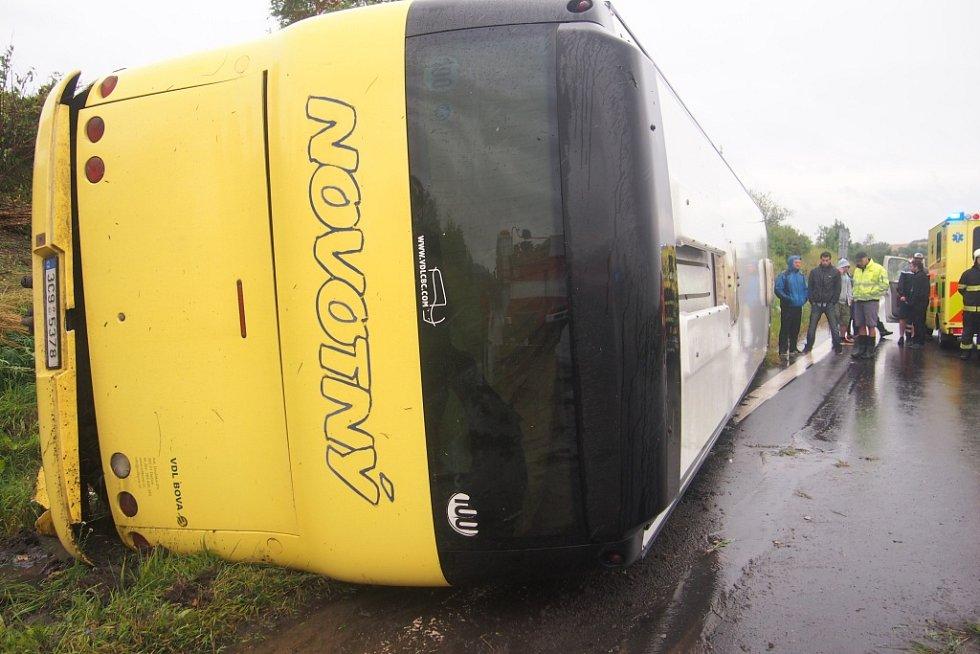 Nehoda autobusy v Písku.